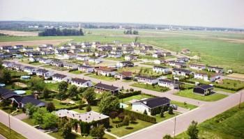 Vue aérienne des coins boulevard Magenta et Archambault, on peut voir le domaine so.co.ma