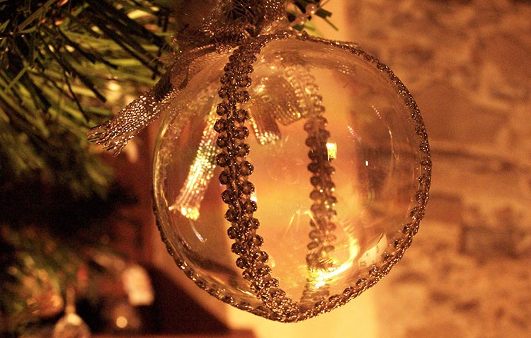 Venez voir les grands choix de décoration et d'articles de Noël à la friperie d'Ange-Gardien