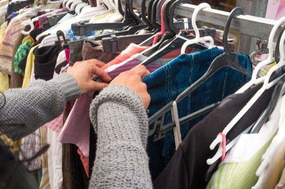 Centre de dépannage – Vente de vêtemets usagés