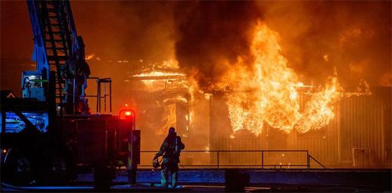 Incendie majeur à Farnham